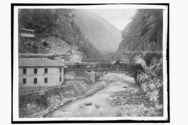 Diveriaschlucht umn 1900 beim Bau der Simplonbahn